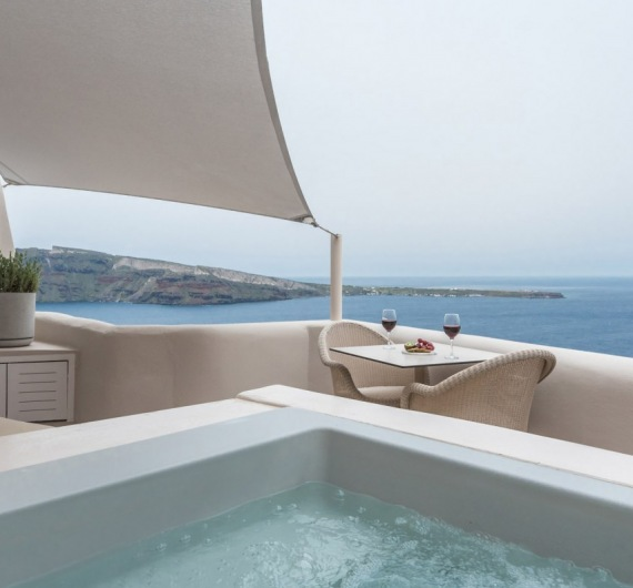 Oia Castle Junior Suites