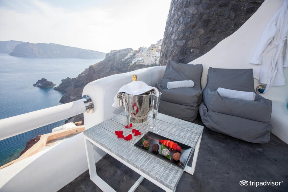 Exclusive suite in Santorini