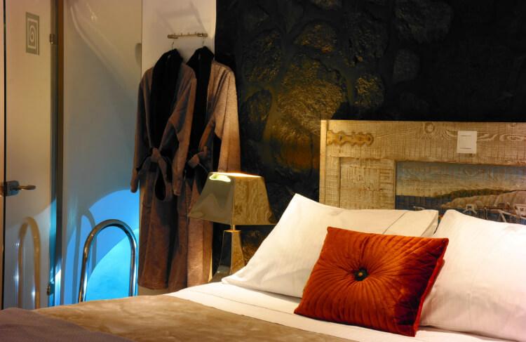Santorini hotel bedroom